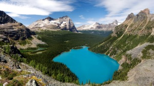 Stunning_Mountain_Lakes_Landscape_from_Canada_HD_Wallpaper-Vvallpaper.Net
